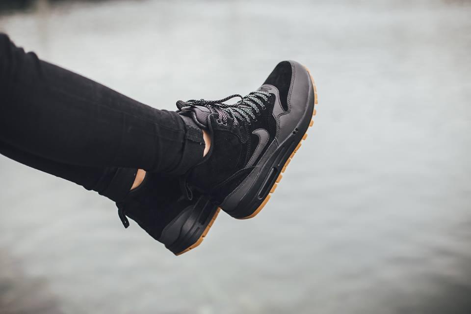 Nike Femmes Air Max 1 Mi Sneakers Baskets montantes 685267