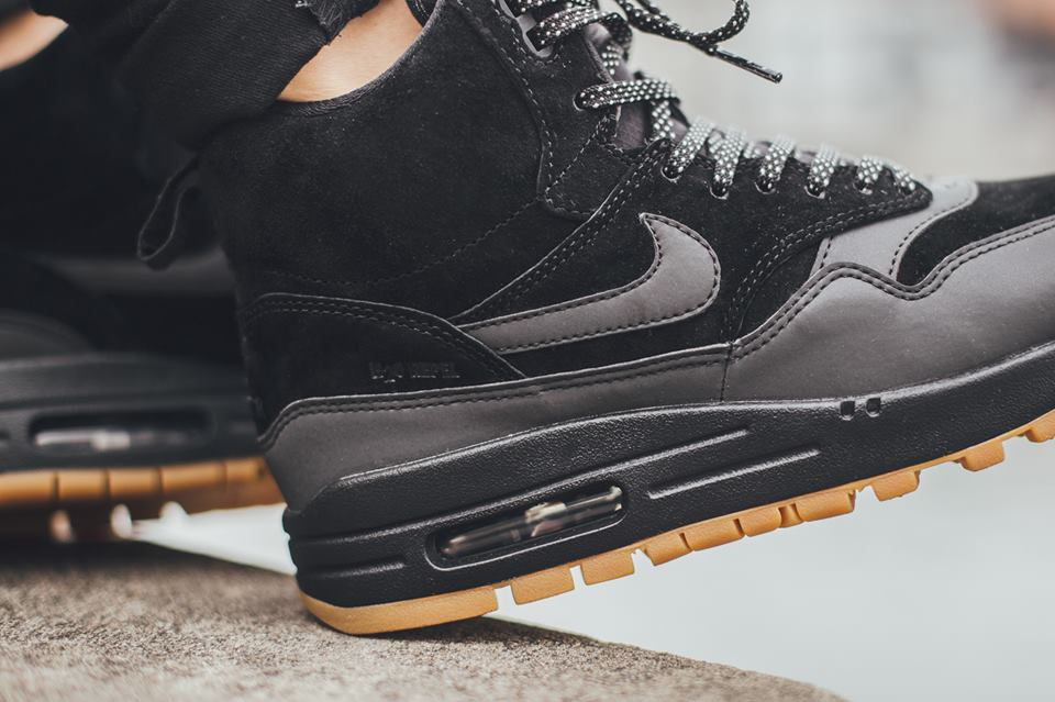 Nike-Wmns-Air-Max-1-Mid-Sneakerboot-H2O-REPEL-685267-003-4