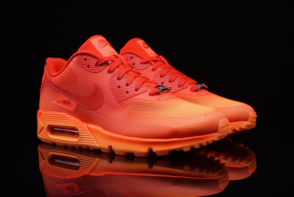 Nike-Wmns-Air-Max-90-City-Pack-QS-Milan