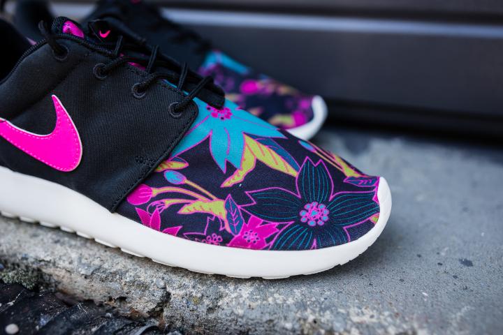 Nike-Wmns-Roshe-One-Print-Aloha-2