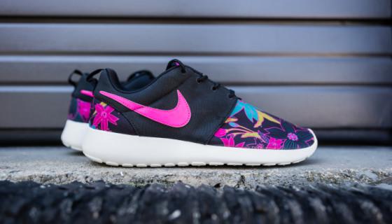 "Nike Roshe One Print ""Aloha"" For Women"