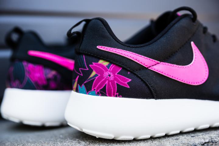 Nike-Wmns-Roshe-One-Print-Aloha-4