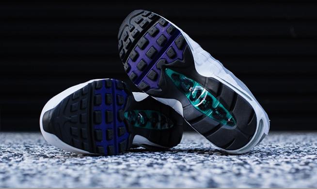 Nike-Womens-Air-Max-95-Grape-Retro-2015-4