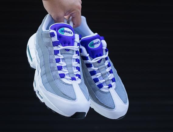 Nike-Womens-Air-Max-95-Grape-Retro-2015-7