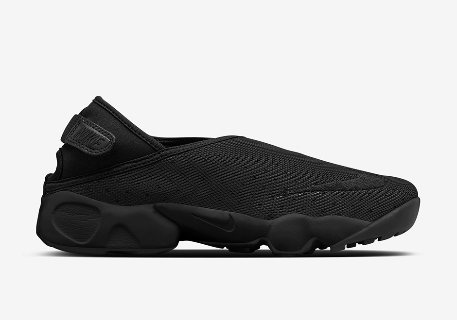 NikeLab-Air-Rift-Wrap-Black-White-02