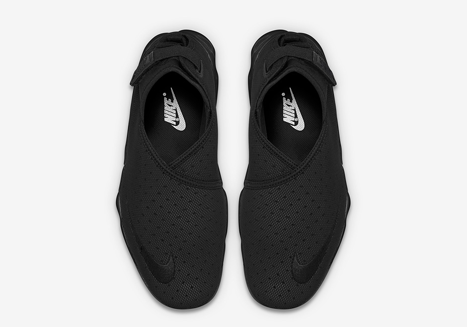 NikeLab-Air-Rift-Wrap-Black-White-04