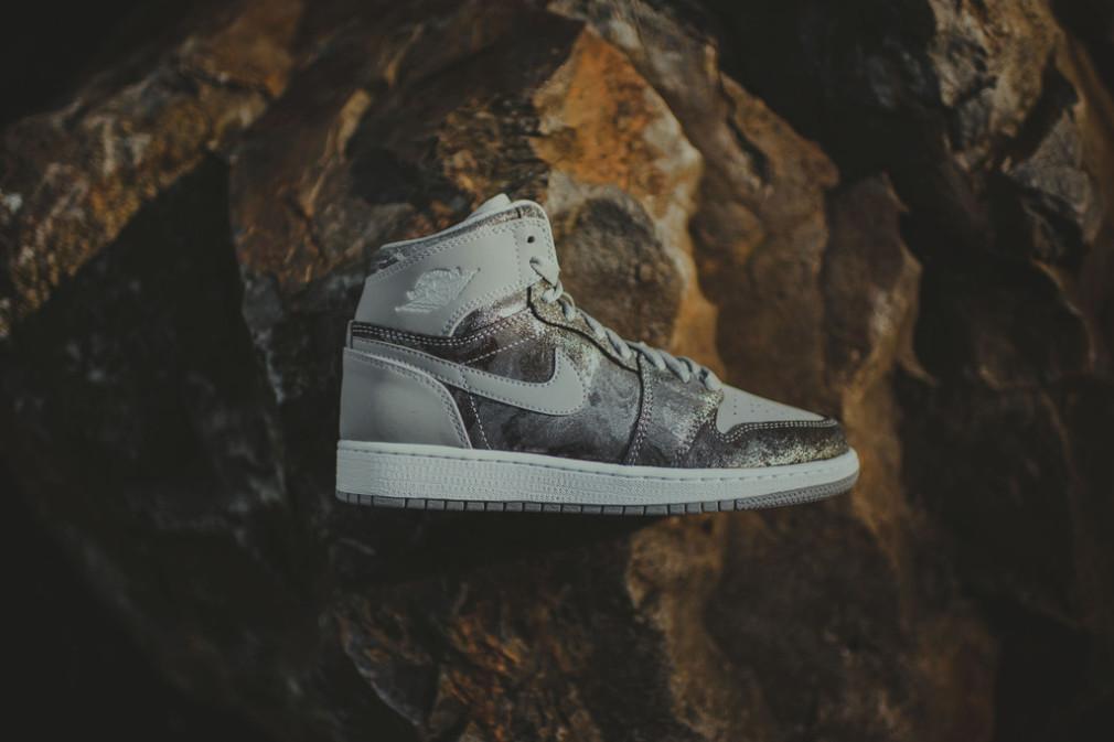 Nike_AirJordan_HiTop_MetallicSilverCamo_1024x1024