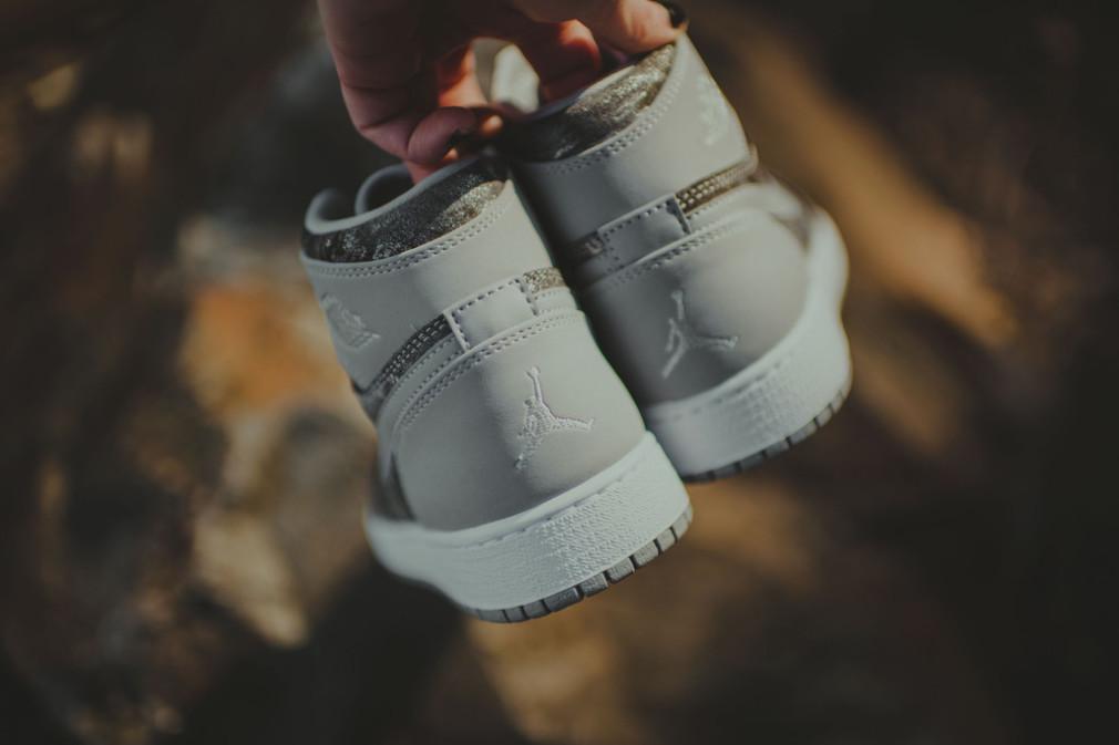 Nike_AirJordan_HiTop_MetallicSilverCamo_11_1024x1024