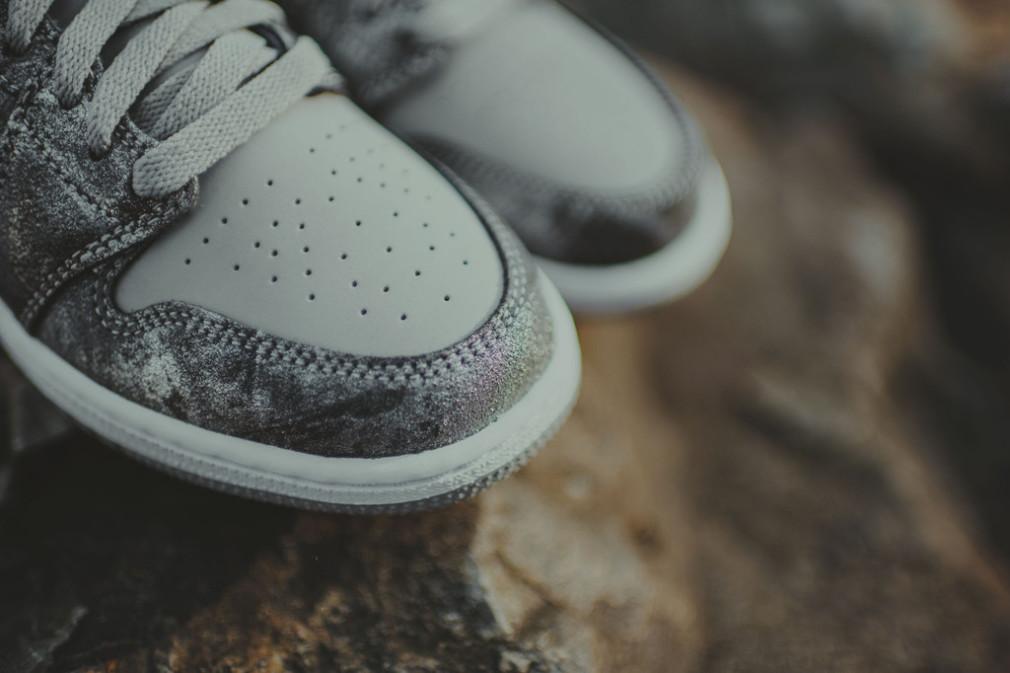 Nike_AirJordan_HiTop_MetallicSilverCamo_2_1024x1024