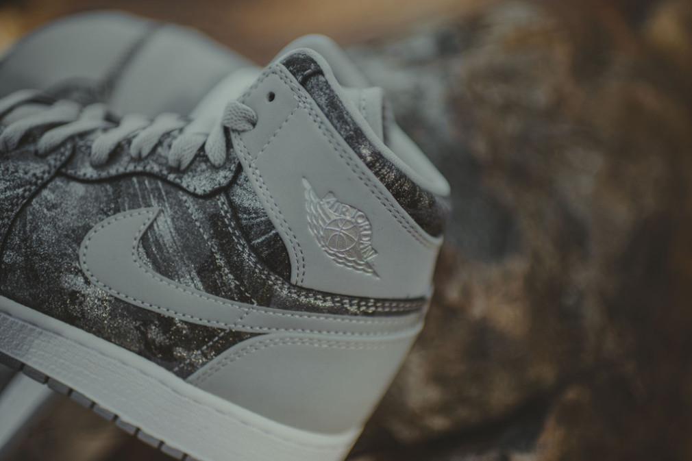 Nike_AirJordan_HiTop_MetallicSilverCamo_5_1024x1024