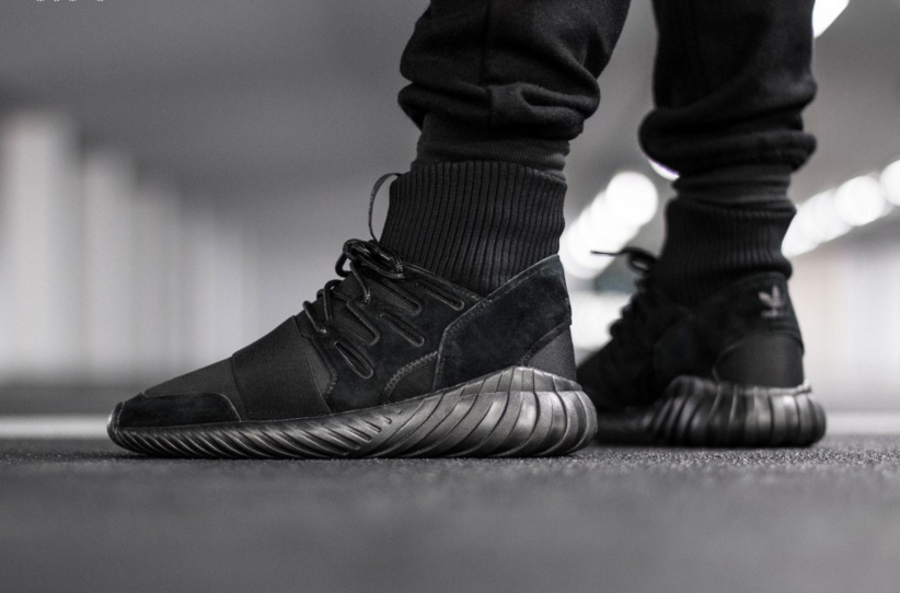 S74794-adidas-Tubular-Doom-Triple-Black-01