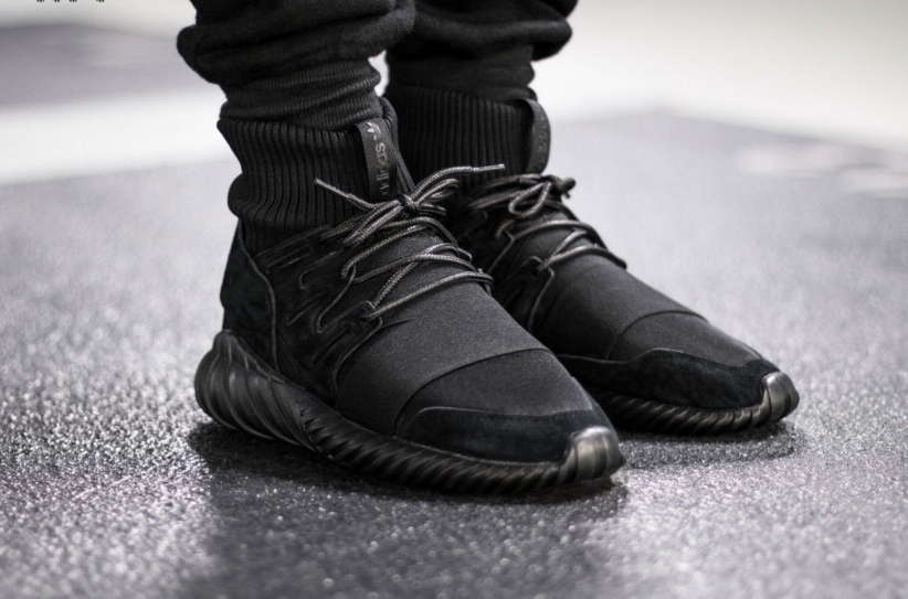 S74794-adidas-Tubular-Doom-Triple-Black-02