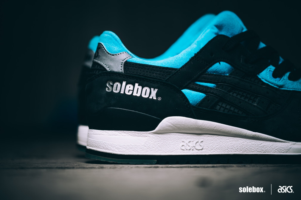 Solebox-x-asics-Gel-Lyte-III-Blue-Carpenter-Bee-04