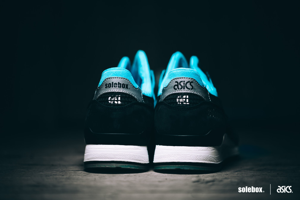 Solebox-x-asics-Gel-Lyte-III-Blue-Carpenter-Bee-05