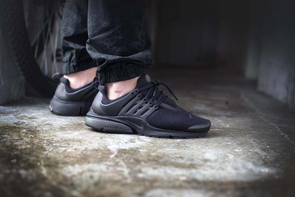 Tim-Vallentin-Nike-Air-Presto-TP-Fleece-Black