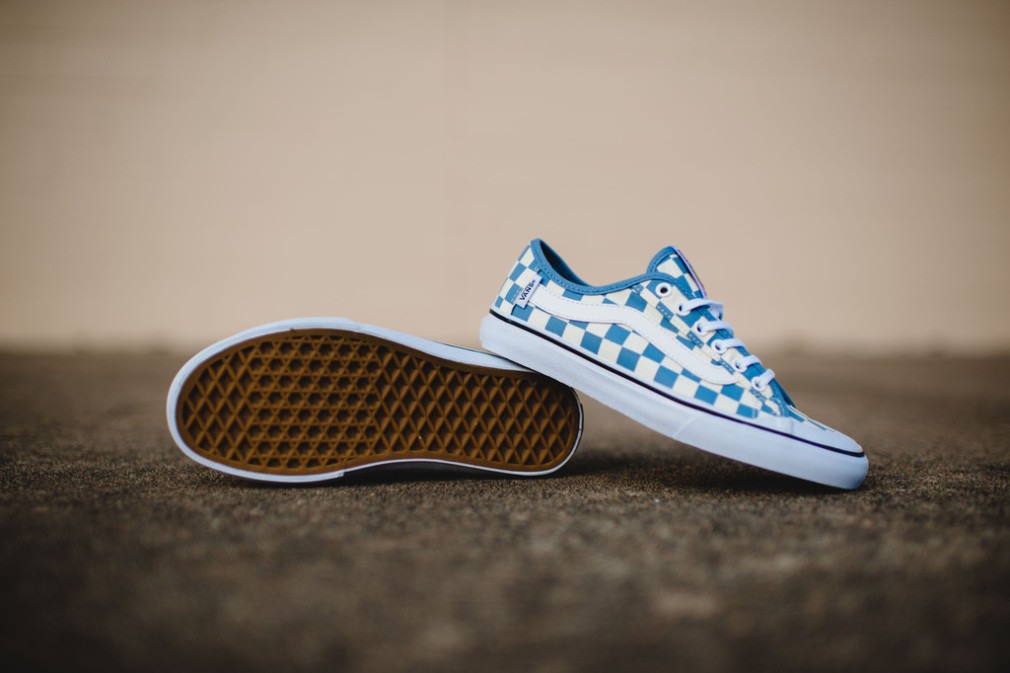 Vans_Surf_CheckersBlue_13_1024x1024