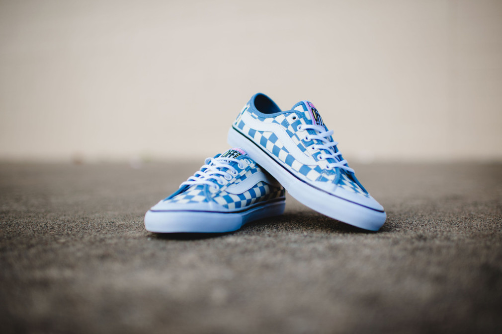 Vans_Surf_CheckersBlue_4_1024x1024