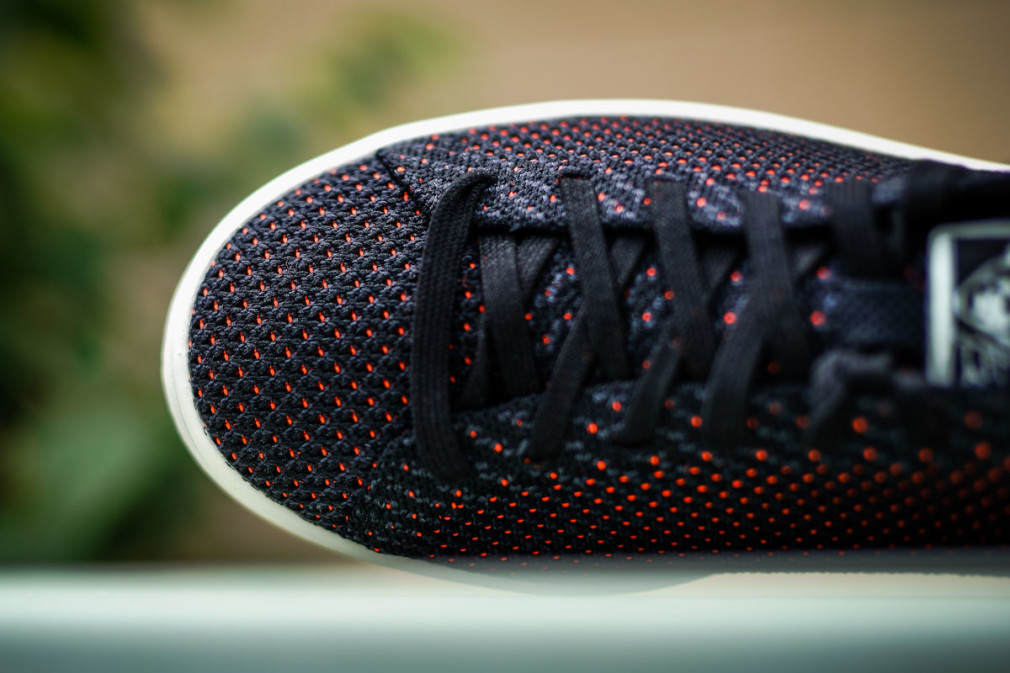 adidas-Originals-Stan-Smith-Black-Orange-3