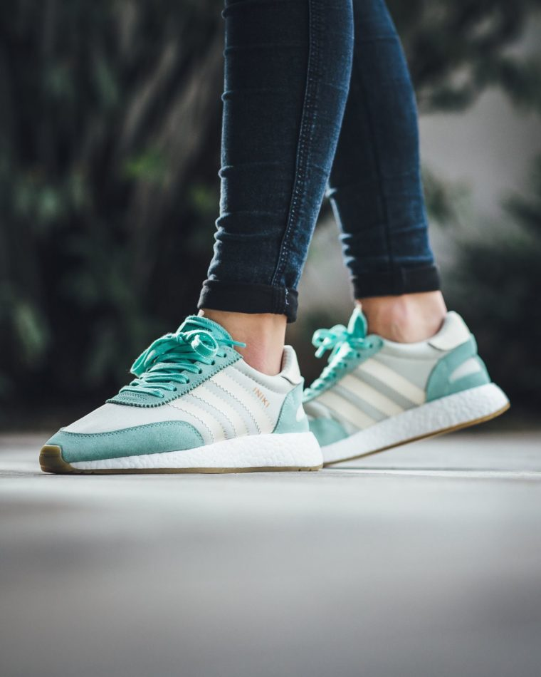 adidas iniki runner boost easy green sneakers addict. Black Bedroom Furniture Sets. Home Design Ideas