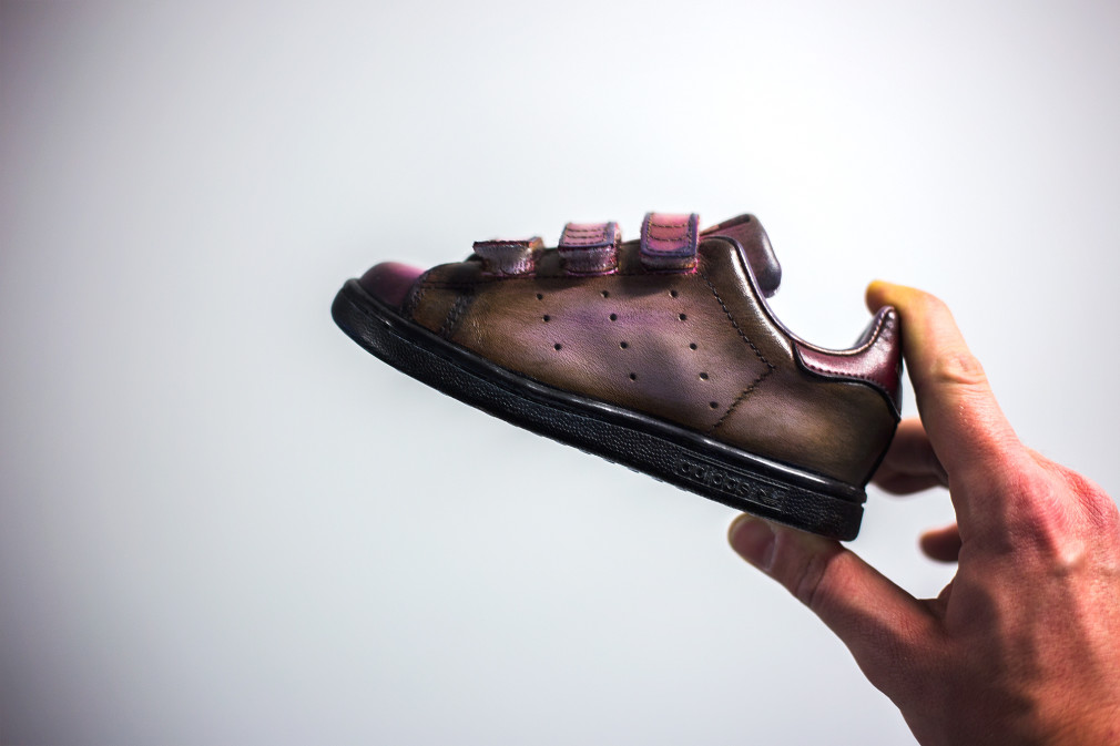 Florence-Monteil-Patine-cuir-adidas-stan-smith-baby-custom-brown-00