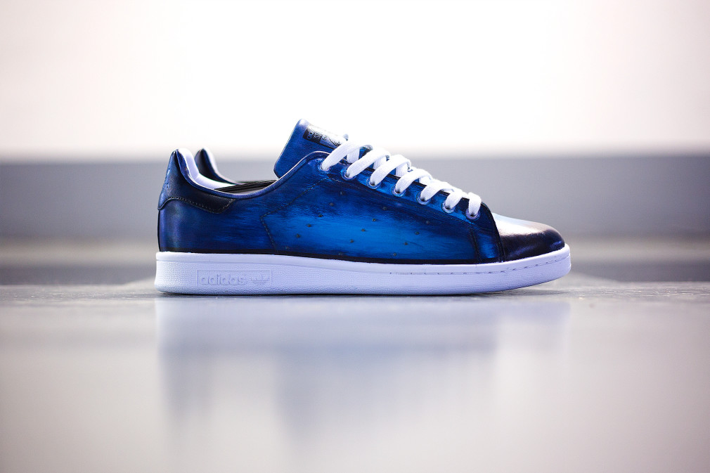 Florence-Monteil-Patine-cuir-adidas-stan-smith-custom-blue
