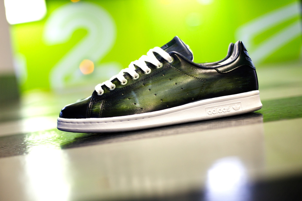 Florence-Monteil-Patine-cuir-adidas-stan-smith-custom-green-00
