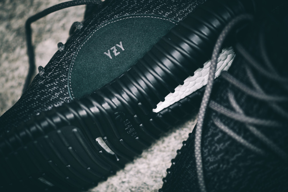 adidas-Yeezy-Boost-350-Black–Nouvelles-Images-7