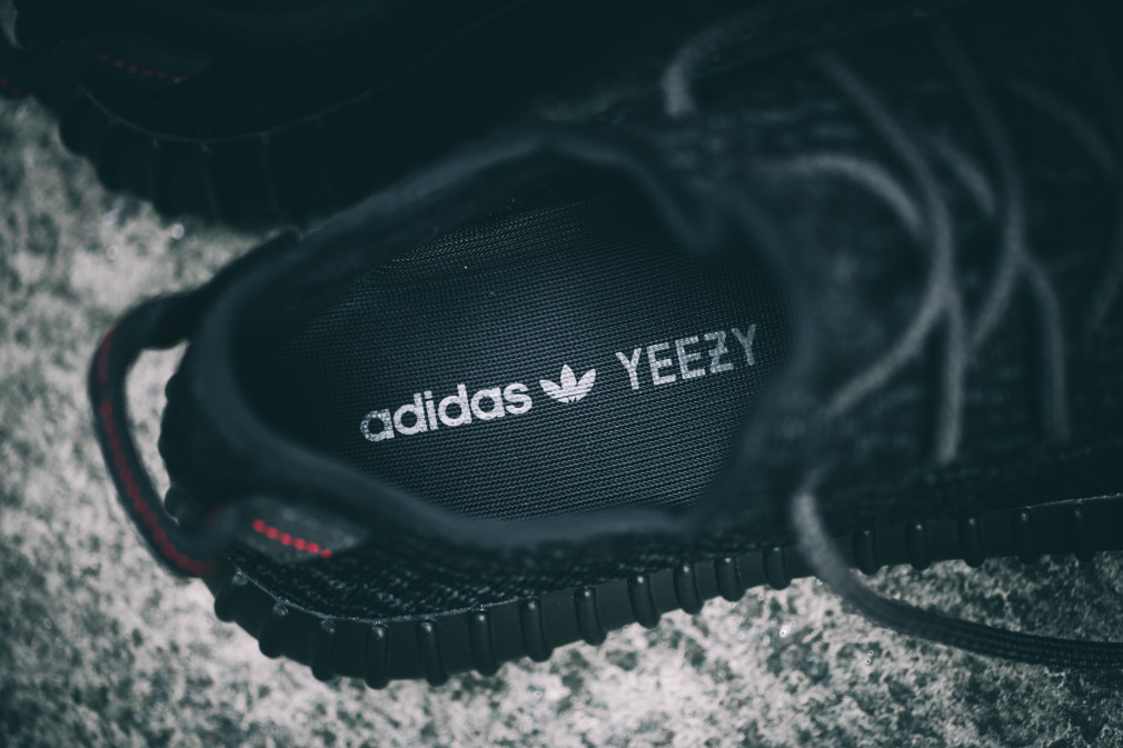 adidas-Yeezy-Boost-350-Black–Nouvelles-Images-5