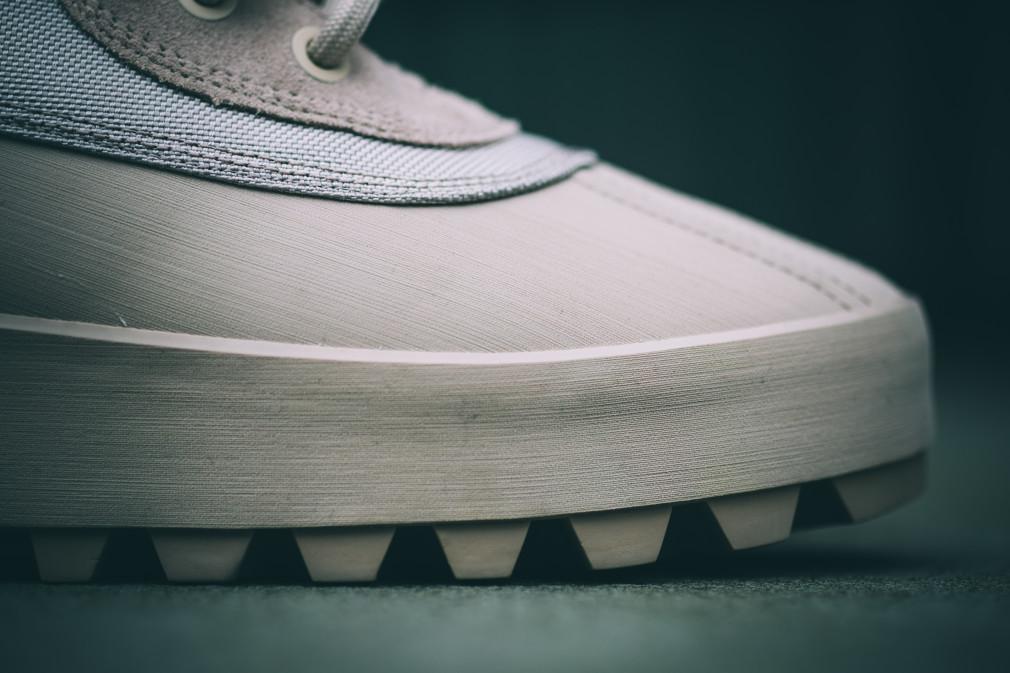 Adidas YEEZY 950M
