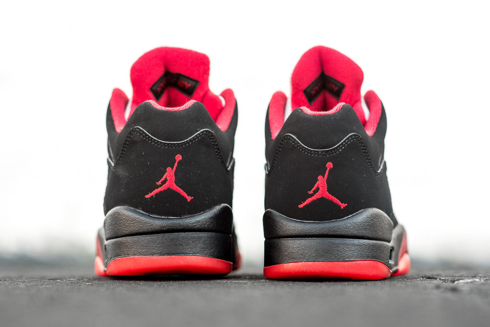 Air Joran 5 Retro Low - Black/Gym Red