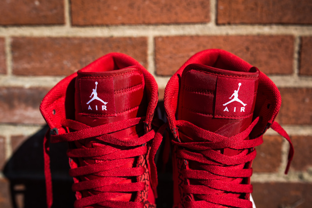 Air Jordan 1 Retro High Red Elephant