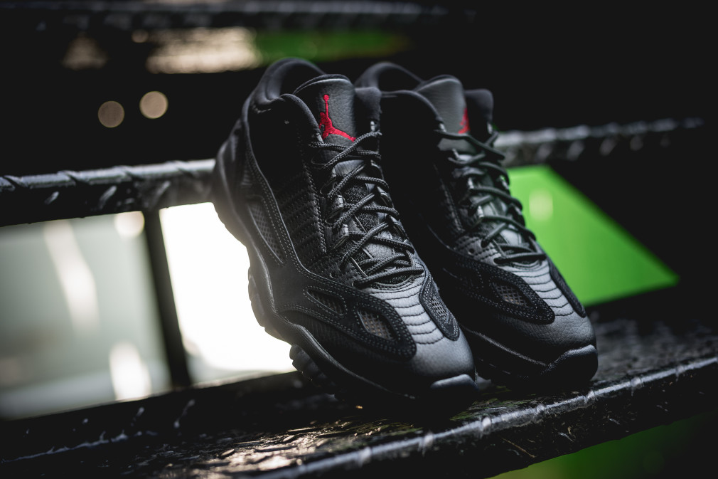 Air Jordan 11 Low IE Referee 306008-003