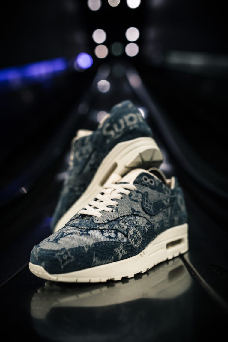 Air Max 1 x Supreme x LV