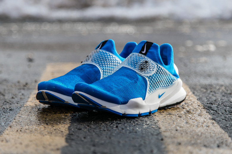 fragment-design-x-nike-sock-dart-photo-blue-1