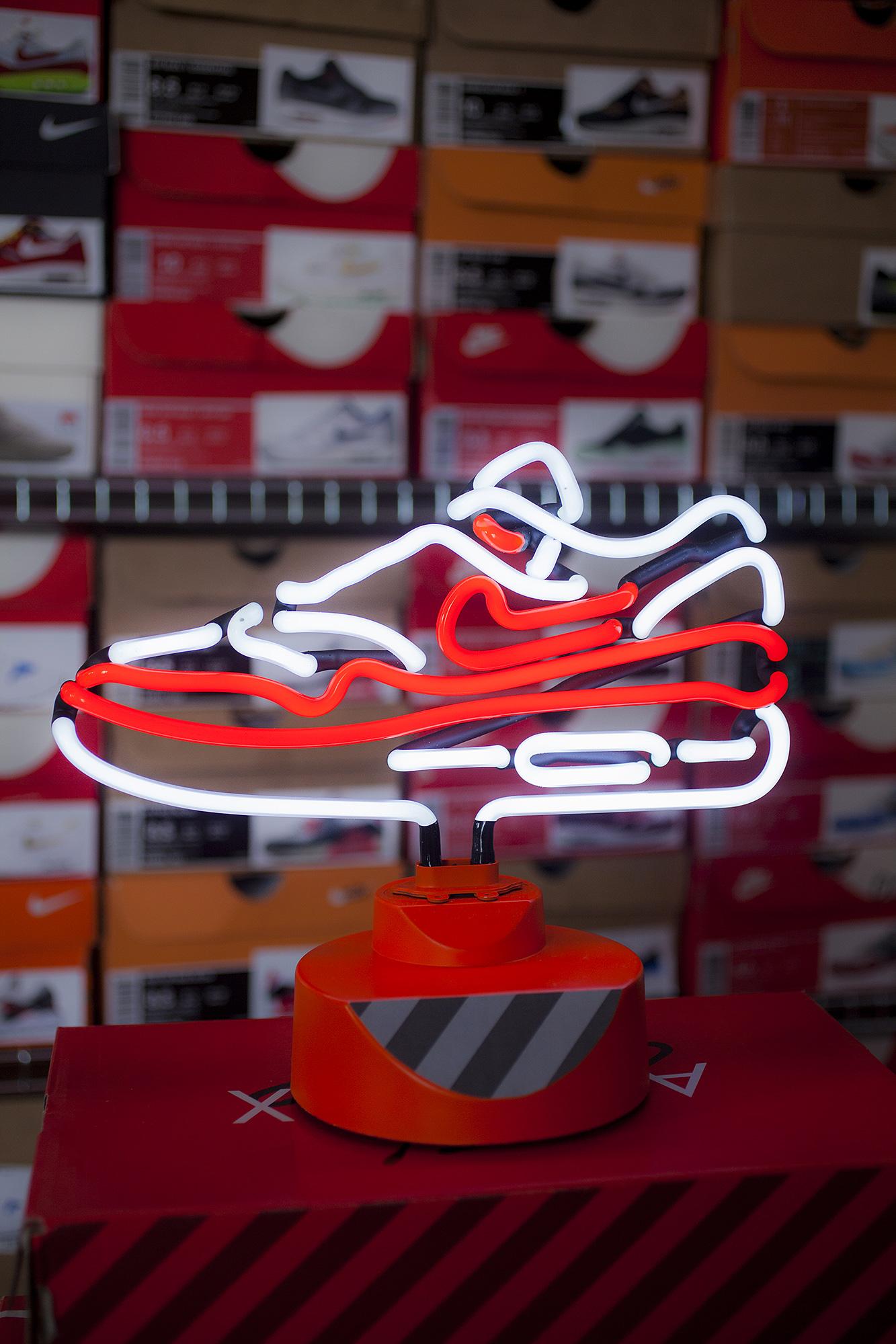 Lampes Neon : Lampe neon nike air max og sneakers addict