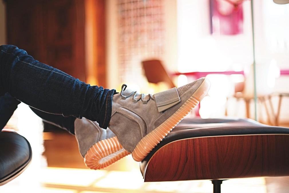 makephoto - Bruno Croatto - adidas YEEZY 750 GREY:GUM
