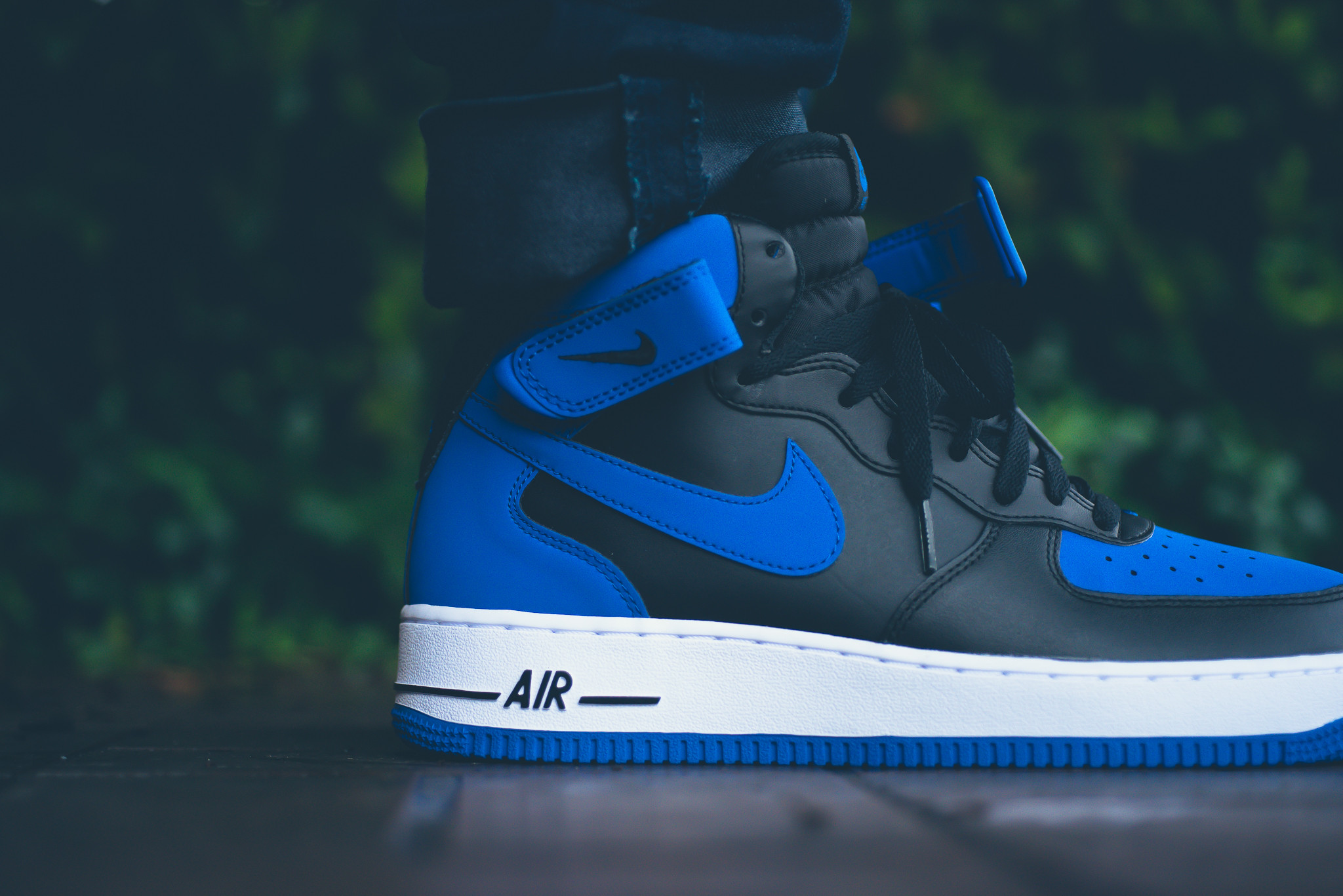 """Nike Air Force 1 Mid Retro """"Royal""""   SNEAKERS ADDICT"""