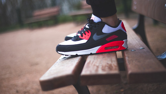 Nike Air Max 90 iD «Infrared Alternate» par Sneakers Addict™