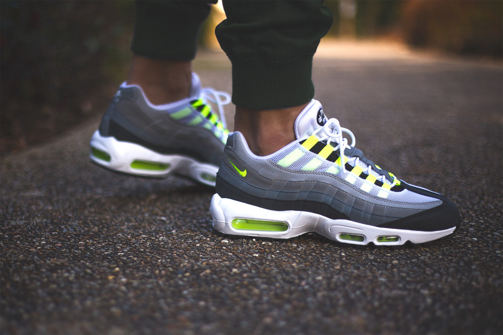 nike-air-max-95-id-neon-alternate-par-sneakers-addict-4