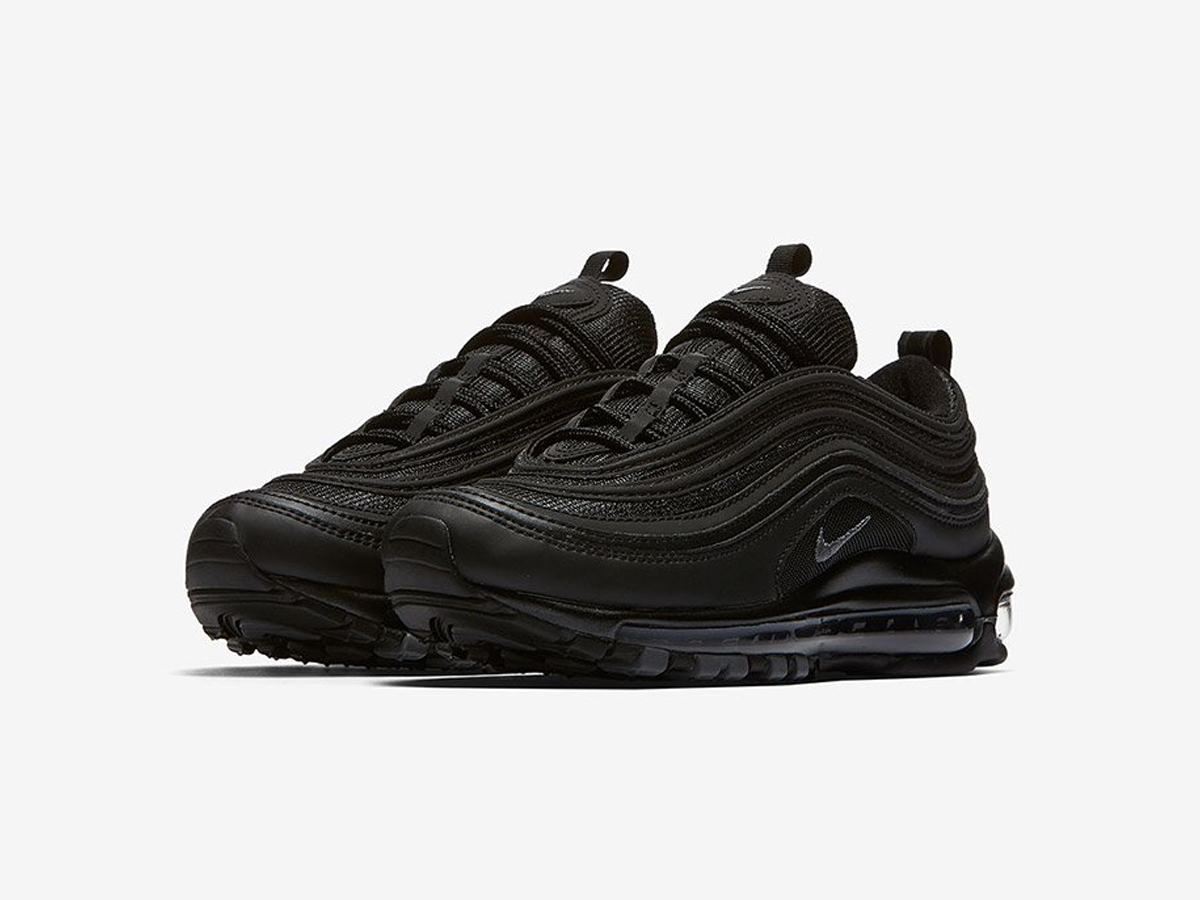 nike air max 97 triple black maintenant disponible sneakers addict. Black Bedroom Furniture Sets. Home Design Ideas