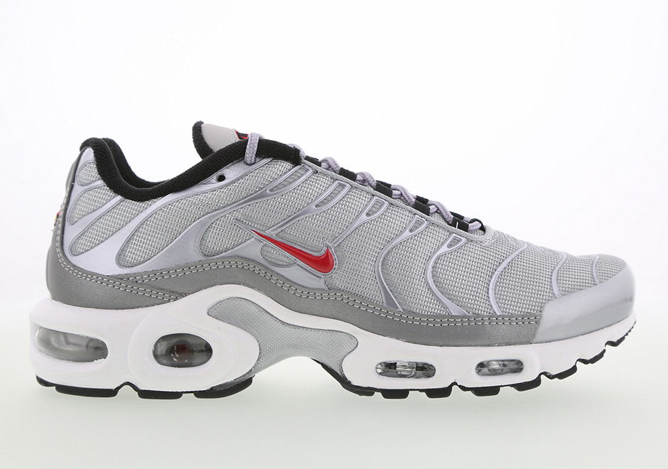 Nike Air Max Plus Silver Bullet | WAVE®
