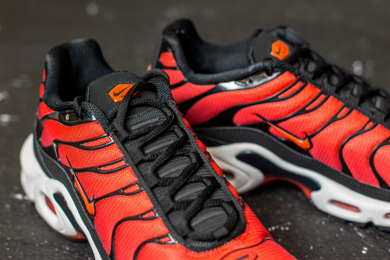 air max plus orange black