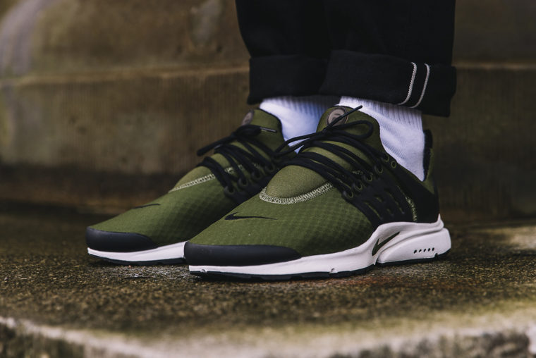 Nike Air Presto Essential Legion Green