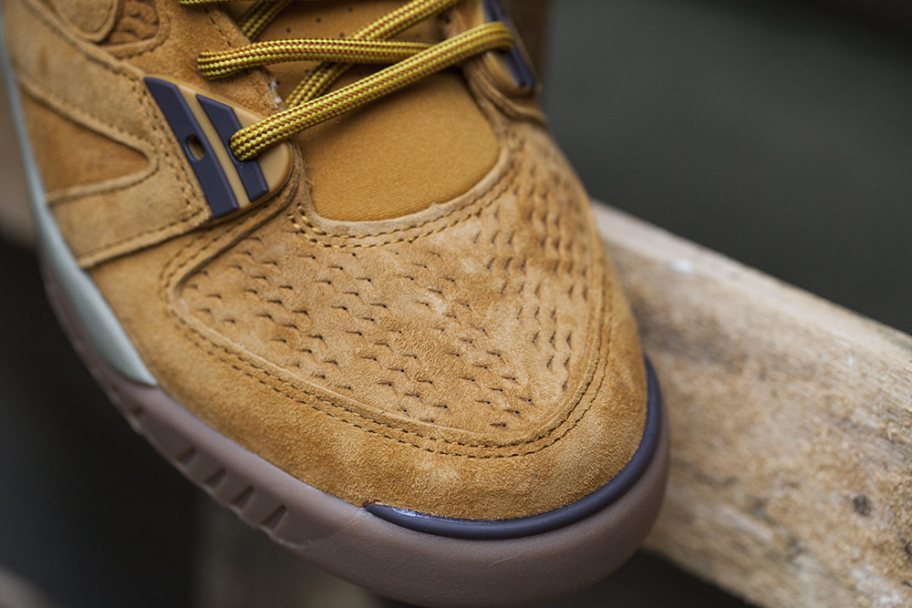 Nike Air Tech Challenge 3 Wheat