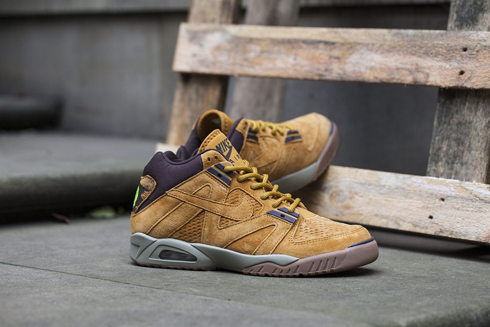 Nike Air Tech Challenge III Wheat
