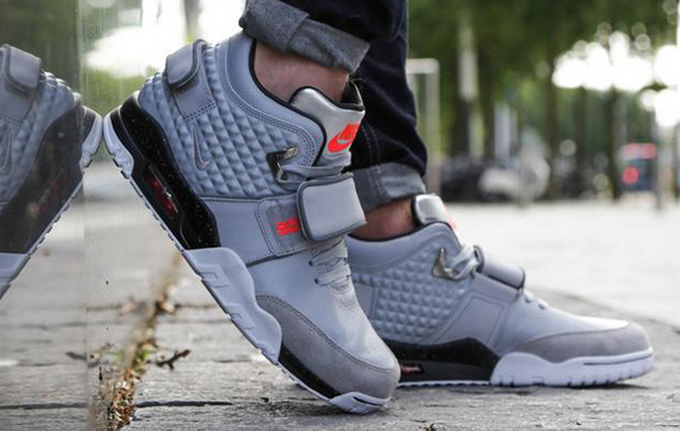 nike-air-trainer- cruz-grey