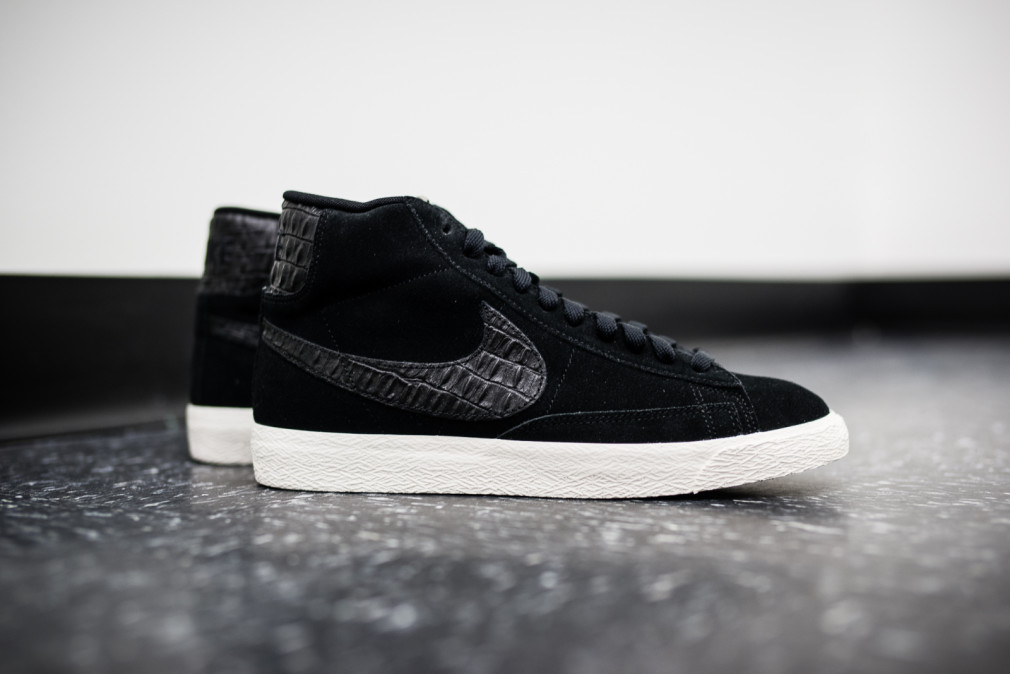 "Nike Blazer Mid Premium Vintage ""Black / Sail"""