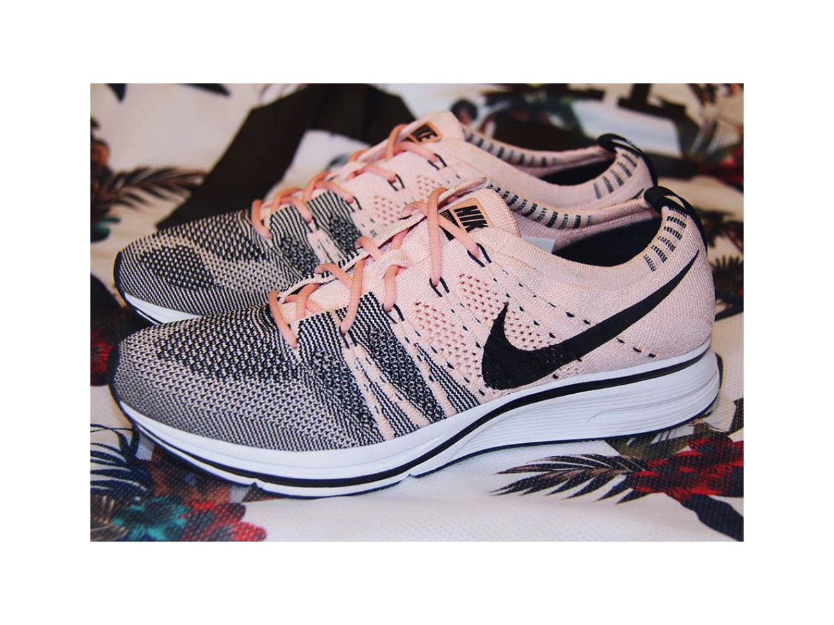nike flyknit trainer sunset tint preview sneakers addict. Black Bedroom Furniture Sets. Home Design Ideas