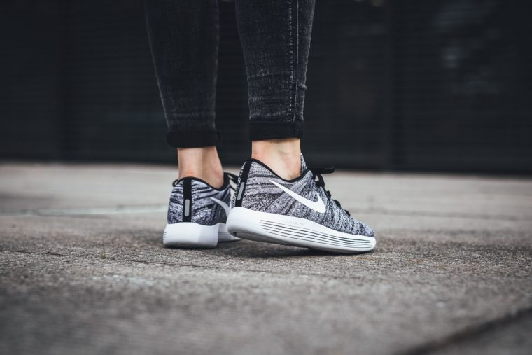 Nike LunarEpic Low Flyknit Black White