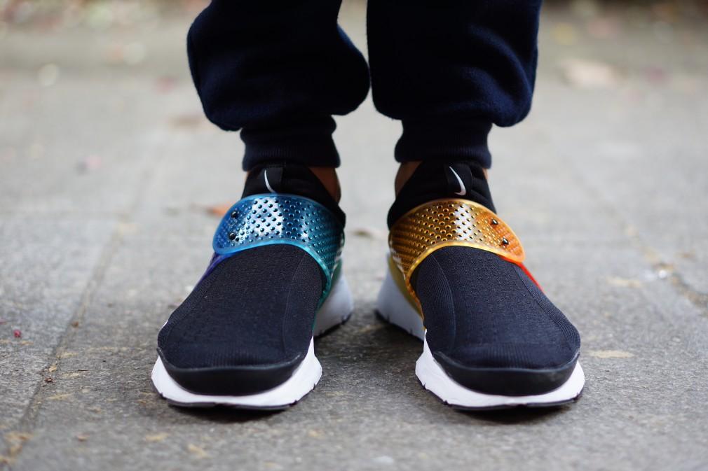 """nike shox Navina noir - Nike Sock Dart """"Be True"""""""